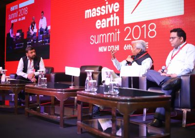 K Vijayraghavan and Vijay Shekhar Sharma with  Shailesh Vickram Singh Massive Earth Summit