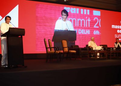 Suresh Prabhu addressing Massive Earth Summit
